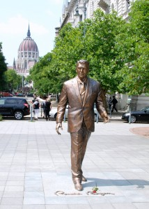 Statue of Reagan in Budapest.